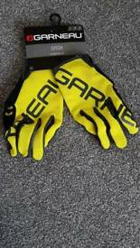 Cycling gloves size L