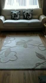 Wool rug and cushions