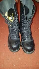 Size 5 black Doc martens