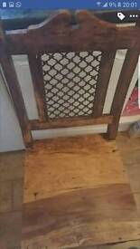 Thakat dining table and 4 chairs