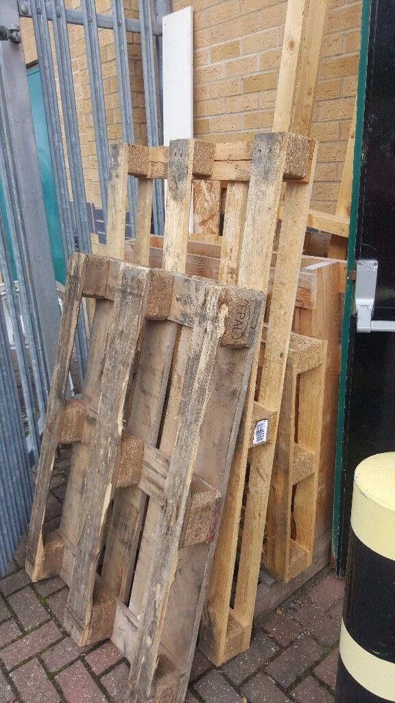 FREE PALLETS !! Just come And collect, Bonfire Night coming soon !!!