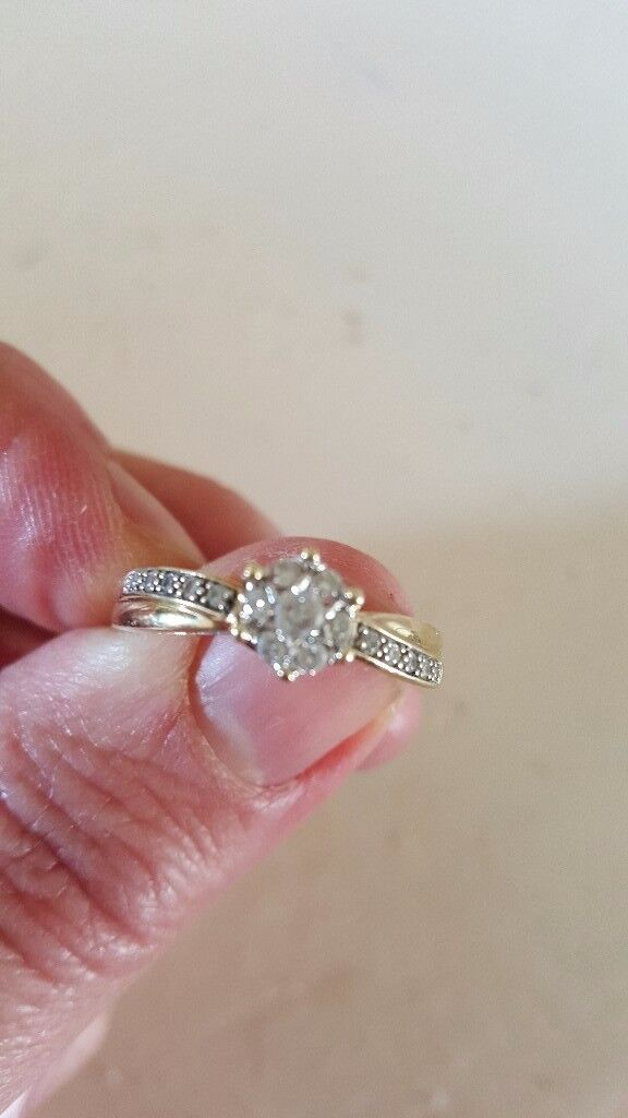 9ct gold and diamond ring for sale size T £100.