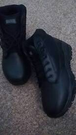 Magnum black boots size 7 brand new