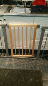 Lindom baby gate