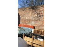 USED RECLAIMED HOUSE EXTENSION BUILDING BRICKS FROM REDUNDANT WALL