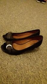 Ladies black open toe shoes size 5