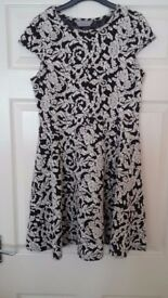 Ladies black and white floral dress size 10