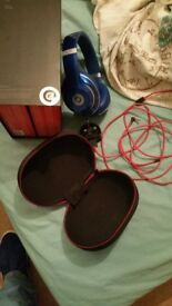 Wireless studio beats by dre headphones, hardly used, like new, quick sale available