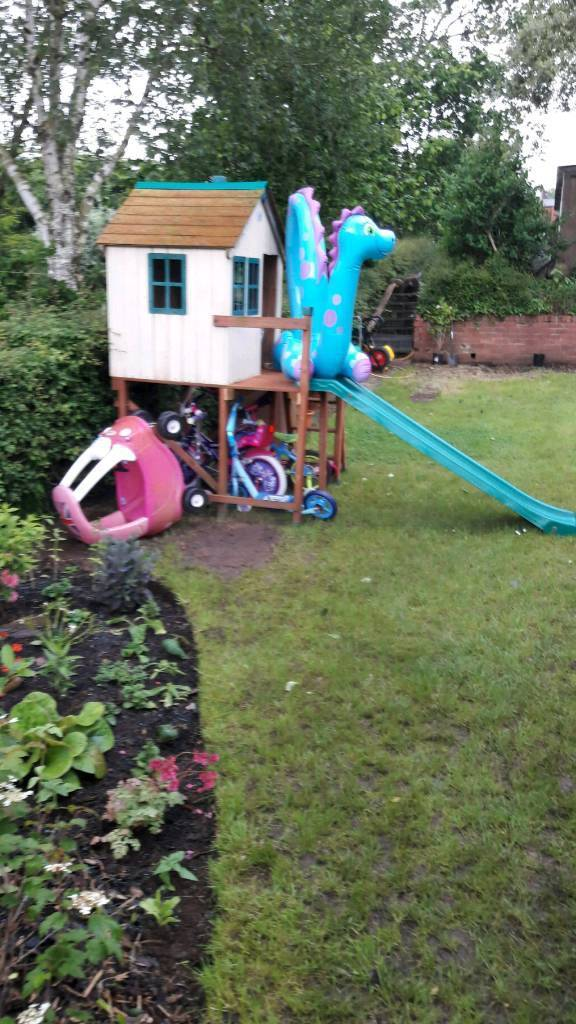 Kids play house and slide
