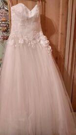 Veromia wedding dress UNWORN £400 ONO