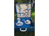 1950s Vintage brexton picnic set / tea set for 4 people