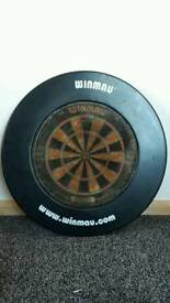 Dartboard with winmau surround