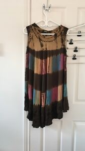 brown sleeveless dress