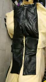 Leather padded motorcycle trousers