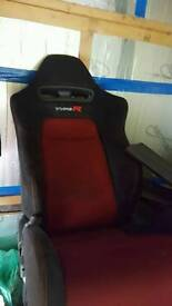 GENIUNE Type r seats