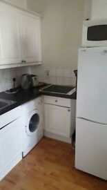 Spacious Room to Rent, £425pm. Near city centre, perfect for professionals or students