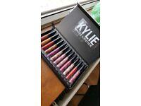 Kylie Jenner 12 piece set