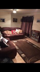Double room to rent in quiet friendly family home £380 monthly