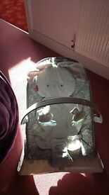 Unisex fisher price baby bouncer with vibration excellent condition just needs new batteries
