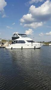 2000 carver yachts 450 Voyager Pilot house  Cruiser **Sans taxes