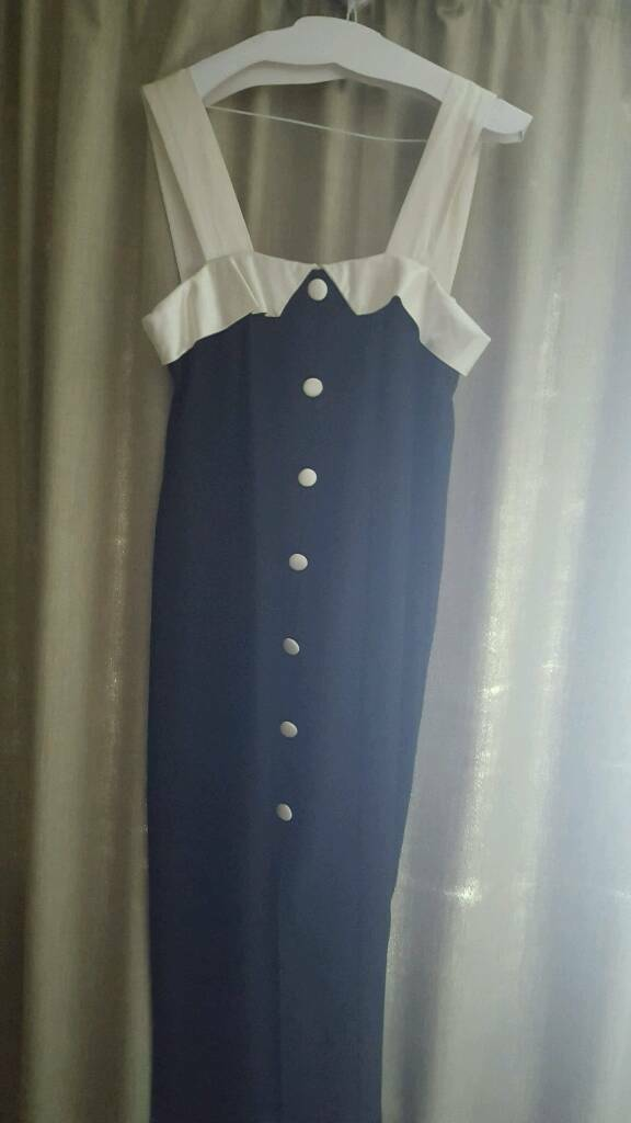 Ivory and black evening dress and matching bag dress size 12in Newbury, BerkshireGumtree - Perfect condition evening dress and matching bag dry cleaned too