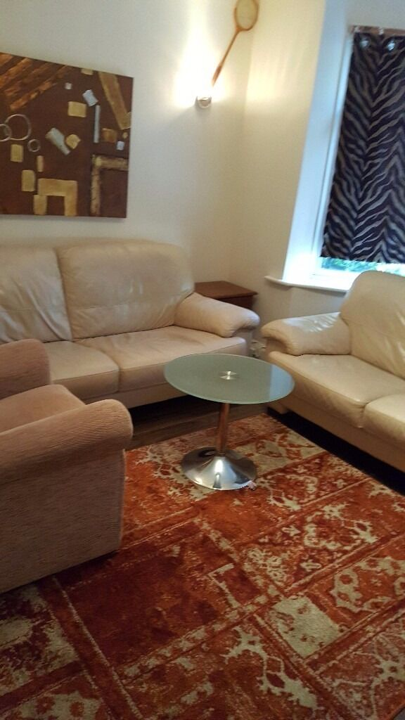 3 Bed Semi House Near City Centre With Parking Suit Professionals Or Mature International Students