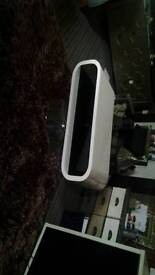 Black and White high gloss tv stand excellent condition