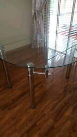 Bargain amazing dining table expandable. TO GO £90