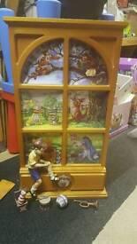 Disney winnie the pooh wooden window