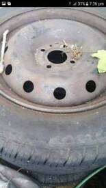 tyre 185/65/15 like new