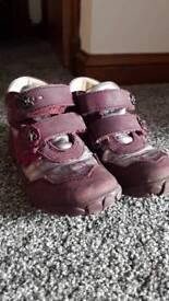 Girls deep purple leather boots EU25