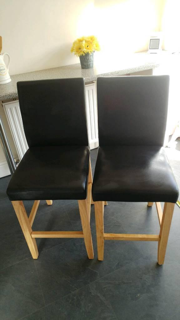 Kitchen breakfast bar high chairs