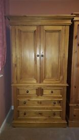 Solid Wood Dresser in very good condition
