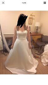 Lou Lou size 12 wedding dress bnwt