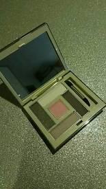 New unused Avon eye shadow pallette