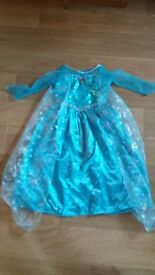 Elsa Dressing up outfit