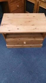Pine 1 drawer TV unit In a good clean condition