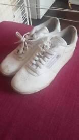 White size 6 reebok trainers