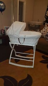 White Moses Basket For Sale (Izziwotnot)