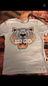 Boys kenzo tshirt age 10 immaculate condition willing to accept 15