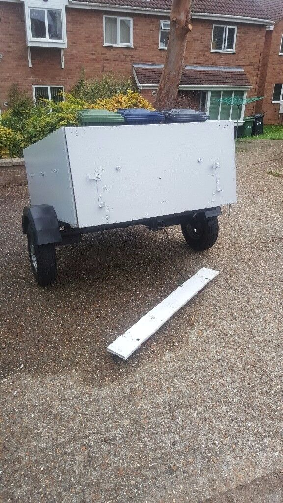 Trailer with drop down back. Good condition. Comes with spare wheel. 5ft x 4ft x 2ft high