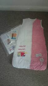 NEW BABY SLEEPING BAGS 2,5 TOG SIZE 0-6 MONTH