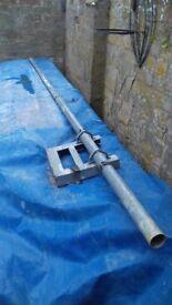 GLAVENISED STEEL ARIEL MAST WITH FIXING BRACKET