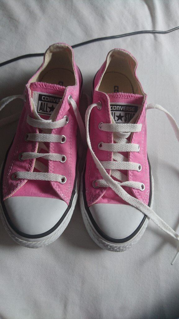 c7b967e4fb1476 Pink Converse All Stars trainers Size 2