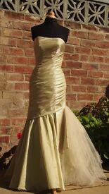 Long prom dress / Evening gown, mermaid / fishtail shape, size 8