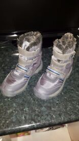 Next kids winter boots size2