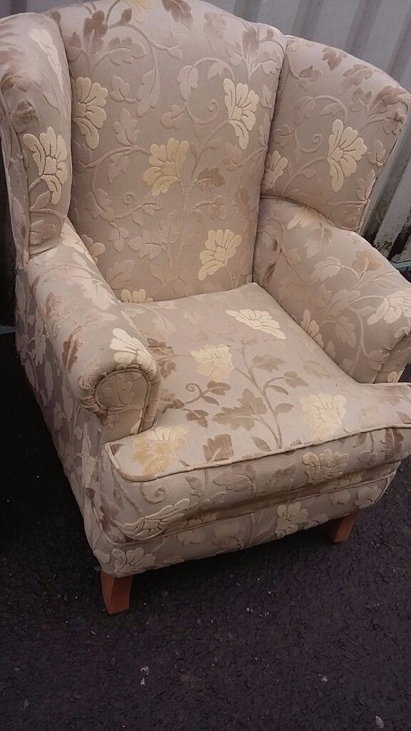 Lovely Beige & Creams Quality Large Wingback Chair
