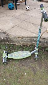children's scooter/skateboard