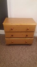 Chest of drawers MUST GO
