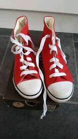 Dunlop high top red trainers/sneakers in childs size 13